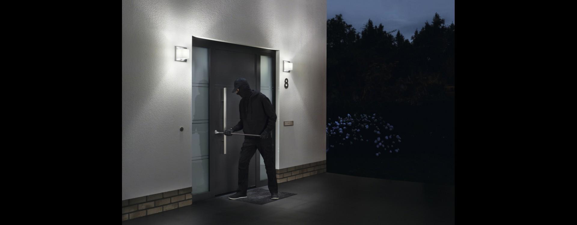 Sicurezza su porte e portoni da garage Hormann!